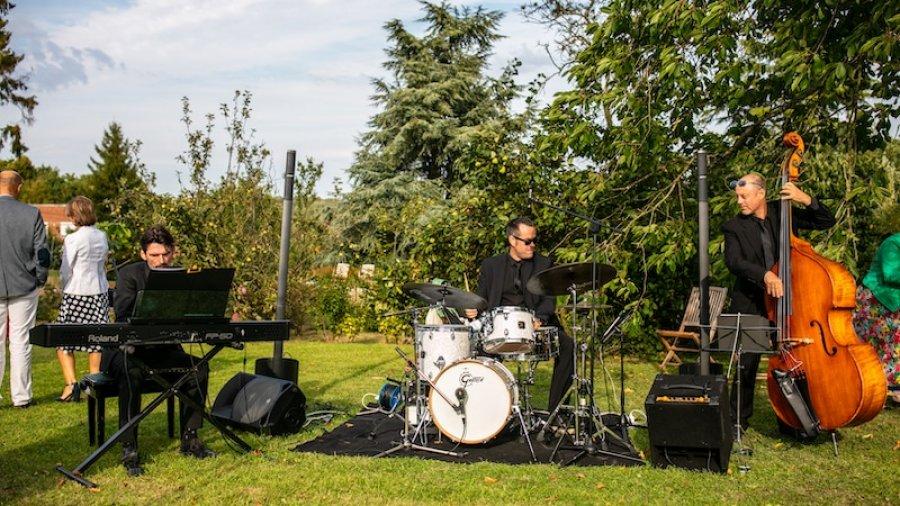 Musiciens jazz pour mariage : le groupe All in Jazz lors d'un cocktail de mariage en Picardie